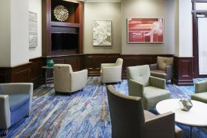 The lounge or bar area at Club Quarters Hotel in Boston