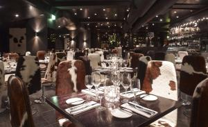 A restaurant or other place to eat at Club Quarters Hotel, Gracechurch