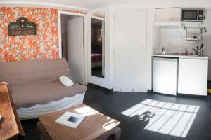 A seating area at Appartement Calanques de Marseille