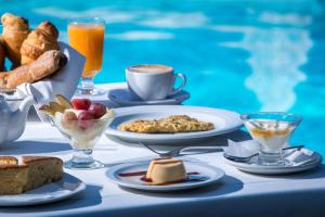 Breakfast options available to guests at Zeus Throne Suites