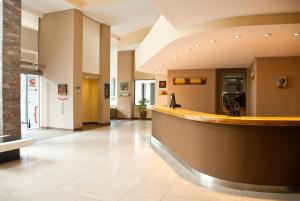 The lobby or reception area at Hotel Piren