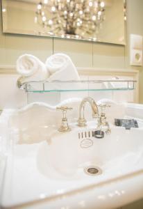 A bathroom at Logement Petit Beijers