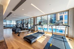 The fitness center and/or fitness facilities at Suha Mina Rashid Hotel Apartments Bur Dubai