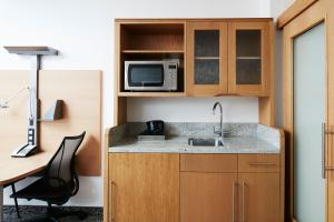 A kitchen or kitchenette at Club Quarters Hotel, Lincoln's Inn Fields