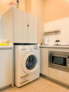 A kitchen or kitchenette at Maison life 小居屋 Riverson Soho
