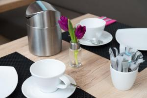 Coffee and tea-making facilities at Leinotel