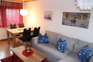Ein Sitzbereich in der Unterkunft Ferienhaus Geli