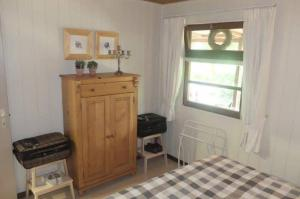 A television and/or entertainment centre at Chalet Luxe Free Wifi