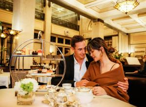 A restaurant or other place to eat at Fairmont Peace Hotel On the Bund (Start your own story with the BUND)