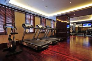 The fitness center and/or fitness facilities at Fairmont Peace Hotel On the Bund (Start your own story with the BUND)