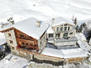 Chalet Charline during the winter
