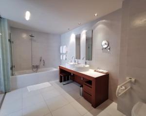 A bathroom at Villa Dubrovnik