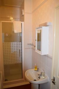 A bathroom at Bewdley Hill House