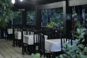 A restaurant or other place to eat at Ecolodge Las Nubes Chiapas