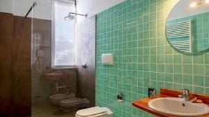 A bathroom at Chaberton Lodge & Spa