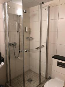 A bathroom at Akzent Hotel Gut Höing
