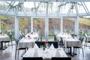 A restaurant or other place to eat at Frost and Fire Hotel