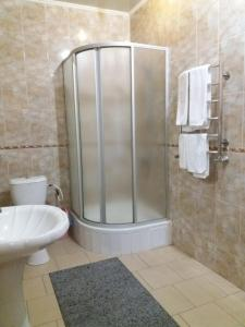 A bathroom at Hotel Kiev-S