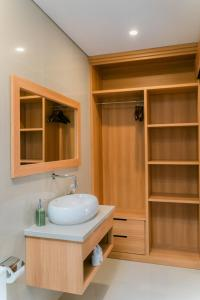 A bathroom at The Ume