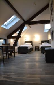 A bed or beds in a room at hotel vallis