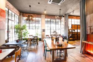 A restaurant or other place to eat at SuB Karakoy - Special Category