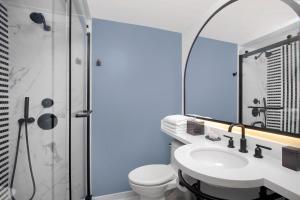 Ein Badezimmer in der Unterkunft The Don CeSar - Recently Renovated