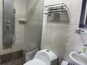 A bathroom at Hotel Casa Modelia