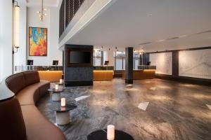 The lobby or reception area at Leonardo Royal London St Paul's