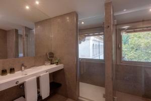 Łazienka w obiekcie Hotel Can Alomar