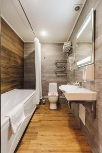 Ванная комната в Red River Hotel
