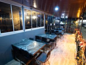 A restaurant or other place to eat at Exporoyal Hotel
