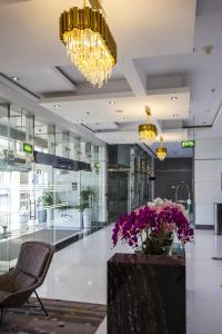 The lobby or reception area at TIME Grand Plaza Hotel, Dubai Airport