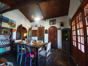 A restaurant or other place to eat at Capricho Asturiano