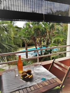 Vue sur la piscine de l'établissement Aime A Elle ou sur une piscine à proximité