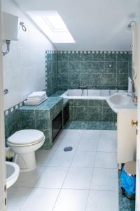 A bathroom at Real Borbone