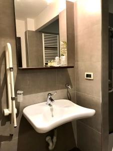 A bathroom at Residence Diamanterosso