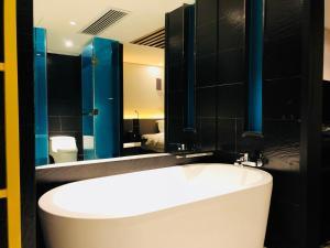 A bathroom at Likto Hotel
