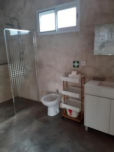 Ein Badezimmer in der Unterkunft Basaltic Guest House Achadinha