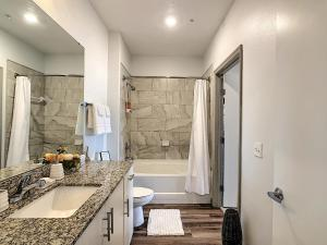 A bathroom at A Luxury Stay, Close to Disney