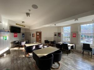 The lounge or bar area at Wendover Arms Hotel
