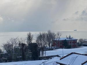 Spinel Hotel during the winter