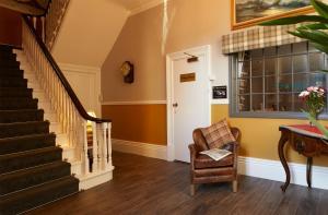 A seating area at Ashburton House - B&B