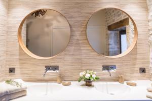 Salle de bains dans l'établissement Domaine de Labarthe Maison d'hotes