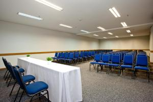 The business area and/or conference room at America Towers Hotel