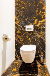 Een badkamer bij Landgoed Kasteel de Hoogenweerth