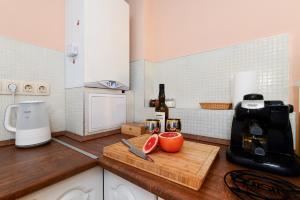 A kitchen or kitchenette at Anita