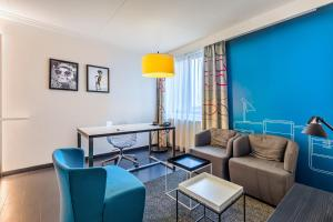 A seating area at Postillion Hotel Deventer