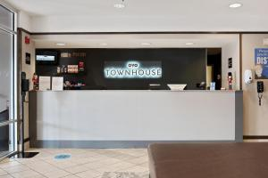 The lobby or reception area at OYO Townhouse Orlando West