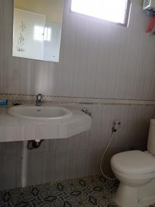 A bathroom at Kaesa Homestay