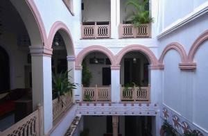 Un balcón o terraza de Kanhaia Haveli